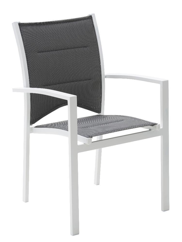 salon de jardin et chaises