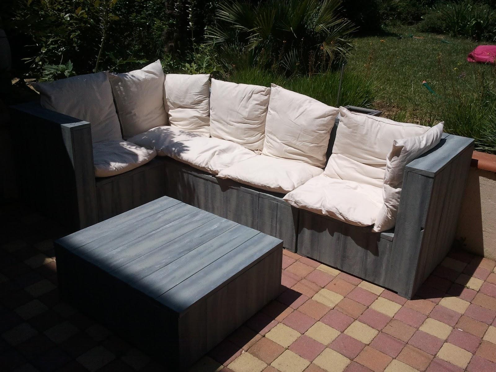 salon de jardin fait avec des palettes en bois