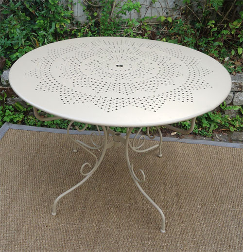 Awesome Salon De Jardin Table Ronde Fer Forge Contemporary ...