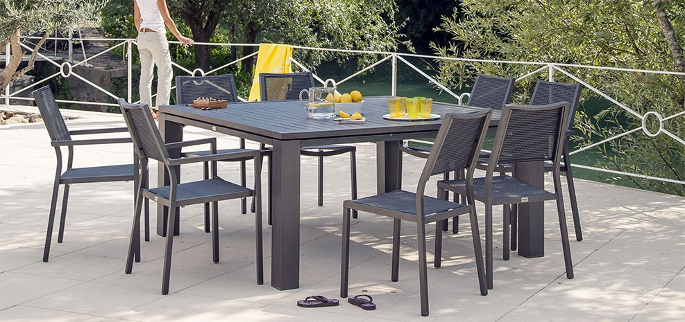 salon de jardin table carree