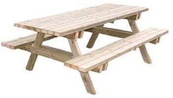 table de jardin avec banc integre