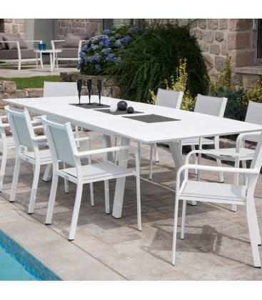 table de jardin blanc