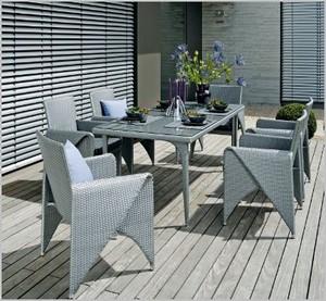 table de jardin contemporaine