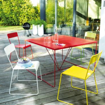 table de jardin couleur
