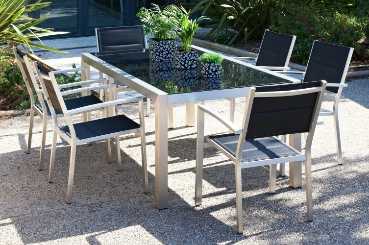table de jardin en verre