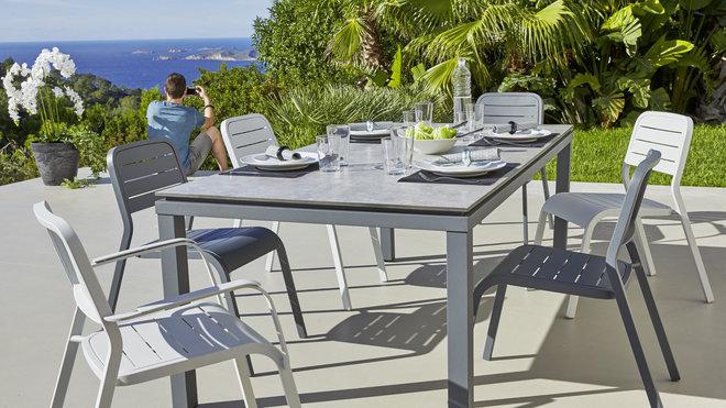 table de jardin et chaise carrefour