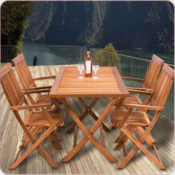 table de jardin et chaises en bois