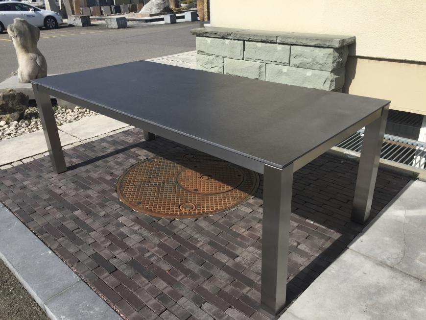 table de jardin granite