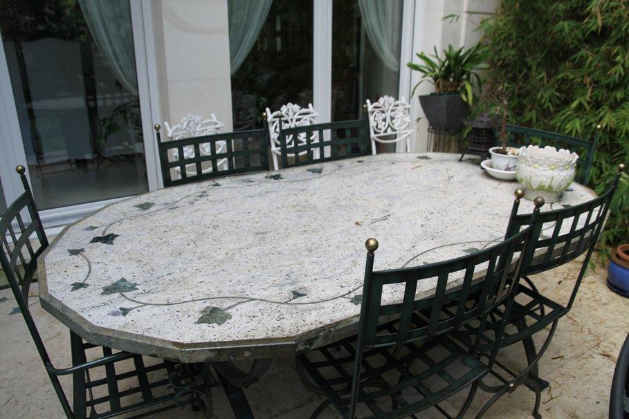 table de jardin imitation mosaique