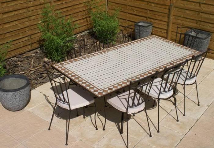 table de jardin mosaique