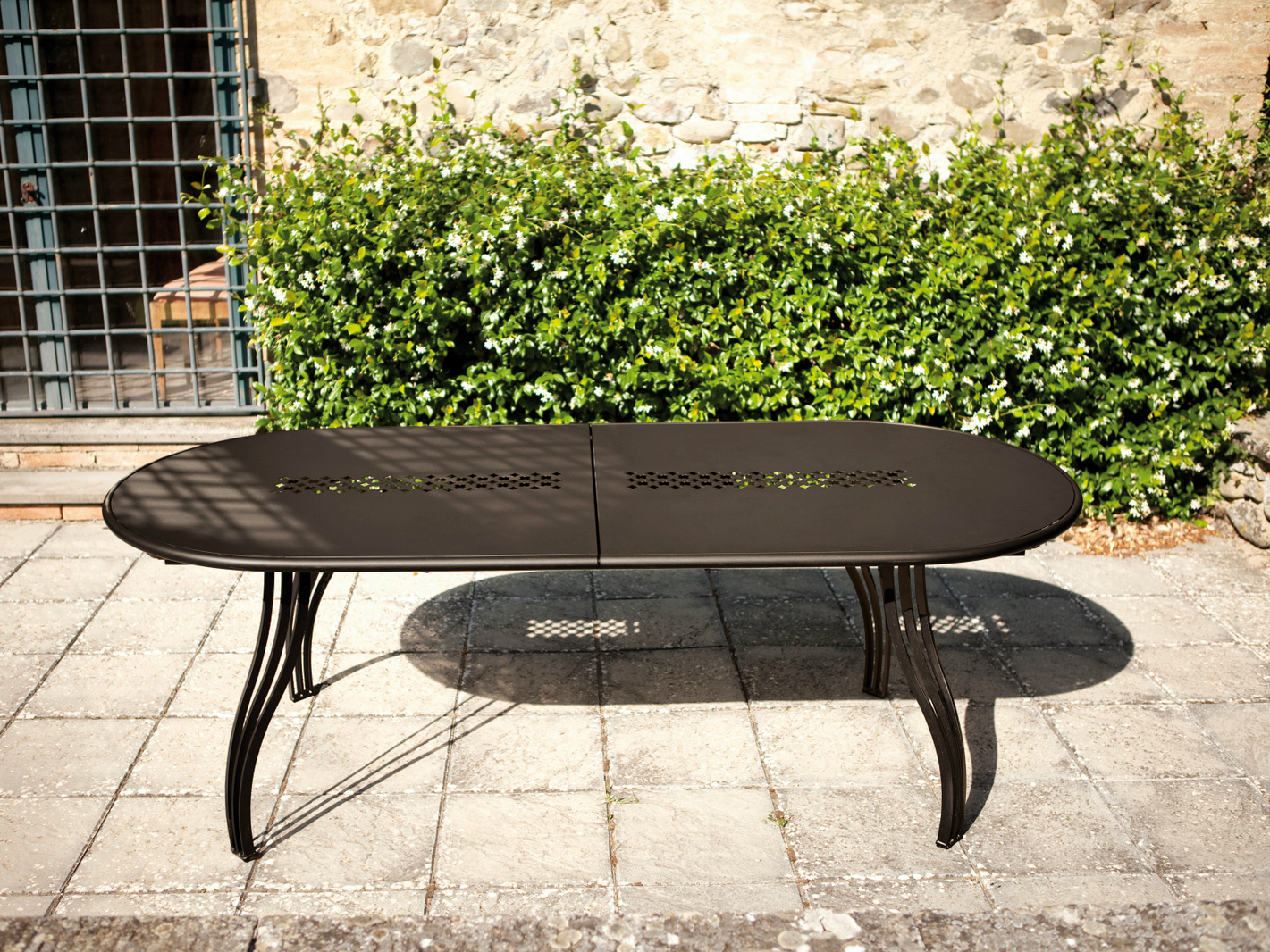 table de jardin ovale en aluminium