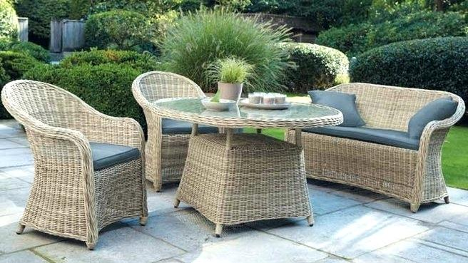table de jardin rotin