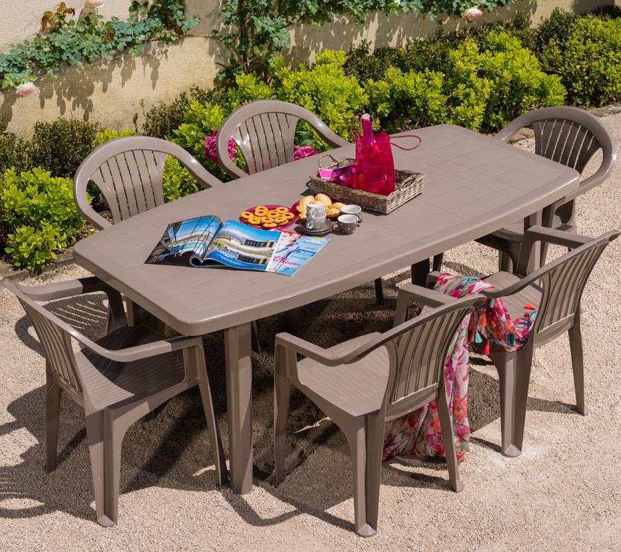 table de jardin taupe