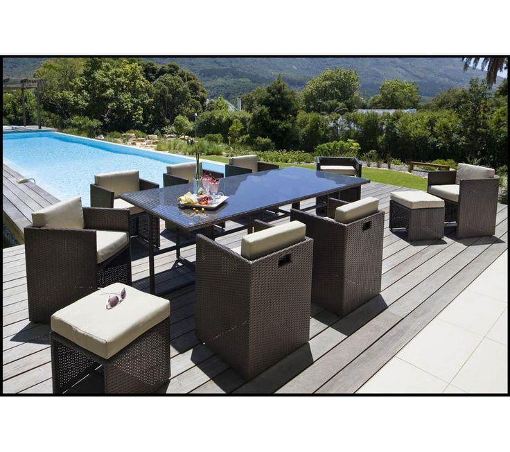 table de jardin wicker