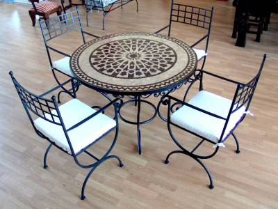 table de jardin zellige