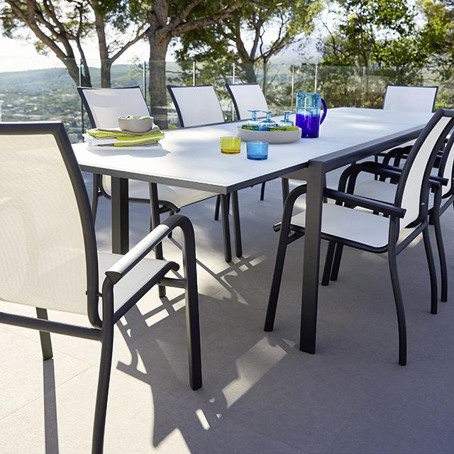 table de jardin 330