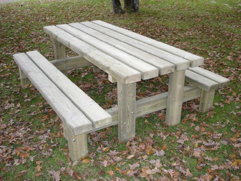 table de jardin forestiere